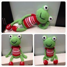 Relax Robert Frog with Chinese & English tutorial, #crochet, free pattern, English, #haken, gratis patroon (Engels), kikker, amigurumi, knuffel