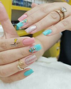 In order to inspire you to make Santa Christmas nail designs, we have specially collected 42 images of Santa Christmas nail art. I hope you can find a satisfactory style from them. Pink Glitter Nails, Pink Ombre Nails, Nail Pink, Red Nail, Nail Nail, Love Nails, Pretty Nails, My Nails, Christmas Nail Designs