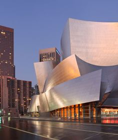 world's most popular landmarks: Walt Disney Concert Hall, Los Angeles