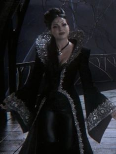 Evil Queen's Dresses - The Evil Queen/Regina Mills