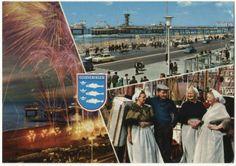 Vuurwerk op het strand; op de achtergrond de Pier; plus twee andere beelden: Boulevard en Pier, Scheveningse vrouwen in dracht aan de haven. ca 1970 Kruger / Sleding, Amsterdam, nr. 967038 #ZuidHolland #Scheveningen
