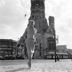 """Kaiser-Wilhelm-Gedächtniskirche, Charlottenburg, 1950er Jahre - Schön war die Zeit, als die Welt noch in Ordnung war - """" Photograph by Michael Rougier...."""