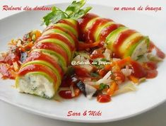 Zucchini Rolls w/ Cream Cheese. Zucchini Rolls with cream cheese (in Romanian). Milk Recipes, Baby Food Recipes, Cooking Recipes, Zucchini Rolls, Ratatouille, Starters, Sushi, Nom Nom, Side Dishes
