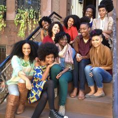 Look at all the beautiful Naturals!