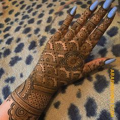 Captivating hartalika teej mehndi designs can make you look standout from the rest! Check out especially curated teej mehandi designs that you'll love! Dulhan Mehndi Designs, Mehndi Designs Finger, Khafif Mehndi Design, Back Hand Mehndi Designs, Mehndi Designs For Girls, Mehndi Designs 2018, Mehndi Designs For Fingers, Modern Mehndi Designs, Mehndi Design Photos