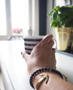 Gooood Morning ️️️  #accessories #accessory #anchor #armcandy #armcuff #armgedöns #bracelet #bracelets #butfirstcoffee #coffee #cuff #details #getanchored #gold #goodmorning #gutenmorgen #Hamburg #hmhome #home #homeinspo #instadaily #instafashion #interieur #interior #interiordesign #jewellery #jewelry #paulhewitt
