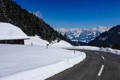 024 - Schweiz - Mit dem Motorrad bei Schnee und Kälte durchs Emmental, Entlebuch nach Luzern und über den Brünigpass zurück In dieser Episode nehmen wir dich mit auf eine eiskalte Tour mit dem Motorrad durch eine traumhaft schöne Gegend. Mit dem Motorrad bei Schnee und K�...  #Berge #Brünig #Emmental #Entlebuch #Frieren #Glaubenbergpass #Heike #Interlaken #Kalt #Luzern #Motorrad #Natur #Pass #Podcast #Sarnen #Schweiz #Sonne #Töff #Töfftour #unterwegs Leben Pur Unterwegs Motorrad Tour Im… Entlebucher, Emmental, Switzerland, Snow, Outdoor, Europe, Lucerne, Mountains, Cold