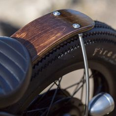 Beautiful wood rear fender on @holiday_cycles XS650 | Photo by @pierrerobichaudphoto #yamaha #xs650