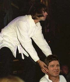 Liam Gallagher Noel Gallagher, Liam And Noel, Everything Funny, Great British, Dan And Phil, Brother, Bands, Photoshop, Husband