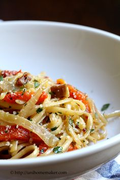 ... linguini & drizzled with olive oil - save 1/4 cup of pasta water