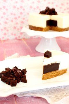 Receta de tarta de queso con corazón de brownie de chocolate. Deliciosa cheesecake con corazón de brownie. Por Lolita la pastelera