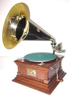phonographs for sale antique phonographs graphophones gramophones talking machines Edison Victor RCA Columbia