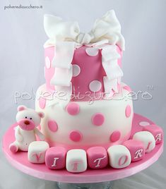 Torta per il Battesimo di una bimba, cake for the Baptism of a baby girl with bow and little bear
