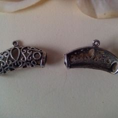 Lots 2 bélières en métal  argenté vieillie 28 x 17 mm