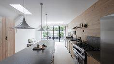 minimal interior design in london kitchen Plywood Kitchen, Interior Design Awards, Design Interiors, Design Your Kitchen, Style Deco, Kitchen Trends, Kitchen Ideas, Clutter Free Home, Cuisines Design