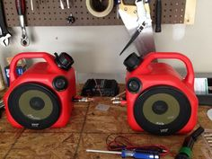 Gas Can Speakers: Some novel garage speakers using plastic gas cans and a speaker kit. Standard gas cans fit a Home Theatre, Diy Speakers, Homemade Speakers, Bluetooth Speakers, Man Of The House, Man Cave Garage, Garage Design, Garage Shop, Garage Workshop