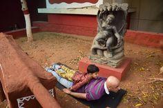 Sammer Singh at Kalamandir  Bhunjasana