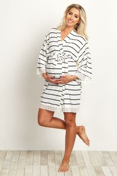 White Striped Lace Trim Delivery/Nursing Maternity Robe