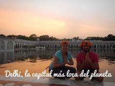 Delhi es la puerta de entrada al norte de La India. La capital del país ofrece las primeras horas en el país al visitante. Normalmente, también es parada por uno o dos días. La adaptación al medio es una de las claves de la felicidad. Festival Holi, Taj Mahal, Coming Home, New Delhi, Entrance Gates, Airports, Temple