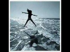 ΕΙΣΑΙ ΜΙΑ ΣΥΝΗΘΕΙΑ - ΛΙΤΣΑ ΔΙΑΜΑΝΤΗ Music Songs, Whale, Folk, Artist, Youtube, Animals, Animales, Animaux, Whales