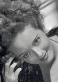Bette Davis - simply beautiful - favorite old Hollywood actress