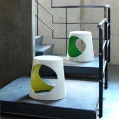 Tabouret 02 CHAIR rouge Tabouret design Finn Stone xlboom Amateur de design  http://www.amateurdedesign.com/tabouret-design-02-chair-2.html