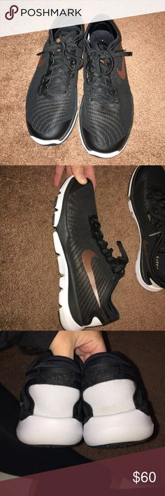 Nike flywire Black Nike flywire tennis shoes with rose gold swish. Size 8 in perfect condition! Nike Shoes Sneakers