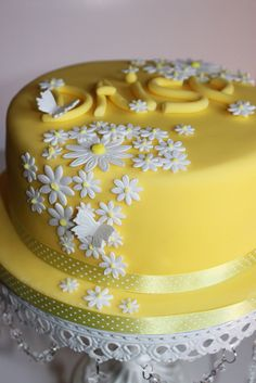 New Baby Daisy Cake by Victoria's Kitchen, via Flickr