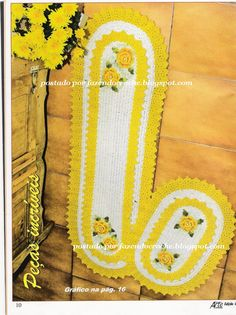 Pretty yellow and white rugs with diagram, click on diagram image to enlarge.
