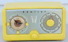 Vtg 1952 Admiral Model 5A33 Yellow Tube Clock Radio https://www.pinterest.com/0bvuc9ca1gm03at/