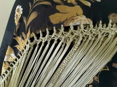 Color Cobre, Renta, Knots, Sarongs, Embroidery, Shawls, Html, Flamenco Dresses, Crochet Shawl