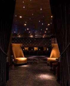 Le Matignon Restaurant, bar et un salon à Paris France