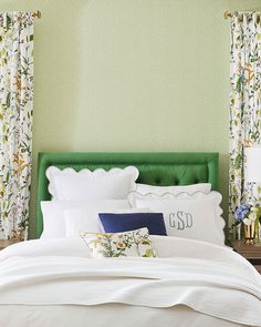 We're sharing our favorite wallpaper looks, ideas on how to use them, and inspiration for your home. Interior Decorating Tips, Striped Walls, Striped Wallpaper, Perfect Wallpaper, Cozy Bed, Quilt Bedding, Staying Organized, Simple House, New Room
