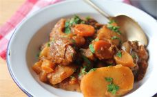 Slow Cooker Irish Stew -- Your family will think the luck of the Irish is on their side to have you cooking up this delicious recipe. #SlowCooker #Stew