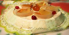 La Cassata Siciliana, sicuramente il dolce siciliano più conosciuto al Mondo, trionfa sulle tavole nel giorno di Pasqua.