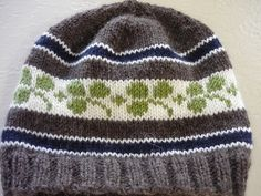 Ireland Rugby Hat by Pinko Knitter. Free pattern.