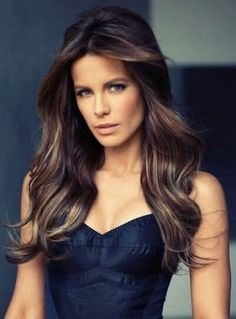 Kate Beckinsale- In my next life I want to be a brunette.Oh, and look like Kate Beckinsale Kate Beckinsale Hair, Kate Beckinsale Pictures, Blonde Highlights, Subtle Highlights, Highlights Underneath, Blonde Underneath, Peekaboo Highlights, Hair Dos, Most Beautiful Women