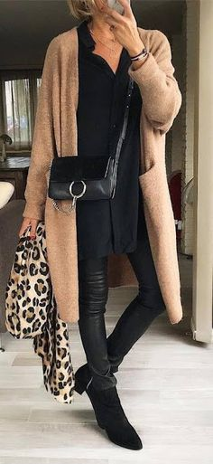 30 Ways To Master The Fashion Girl's Winter Uniform - winter trends Casual Winter Outfits, Winter Fashion Outfits, Autumn Winter Fashion, Fall Outfits, Autumn Casual, Preppy Outfits, 60 Fashion, Fall Fashion Trends, Trendy Fashion