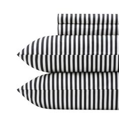 Love the versatility and structure of these sheets. Marimekko Ajo Black Sheet Set.