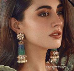 Uncut diamond and emerald beads tassel earrings photo - Carpets Mag Diamond Earrings Indian, Indian Jewelry Earrings, Indian Jewelry Sets, Jewelry Design Earrings, Gold Earrings Designs, Beaded Earrings, Diamond Jewelry, Earrings Photo, Latest Earrings Design