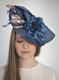 Tocado para boda tipo plato Millinery Hats, Fascinator Hats, Fascinators, Headpieces, English Hats, African Hats, Tea Hats, Royal Ascot Hats, Funky Hats