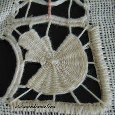 Drawn Thread, Thread Work, Needle Lace, Needle And Thread, Hardanger Embroidery, Hand Embroidery, Crochet Bikini, Crochet Top, Bordado Popular