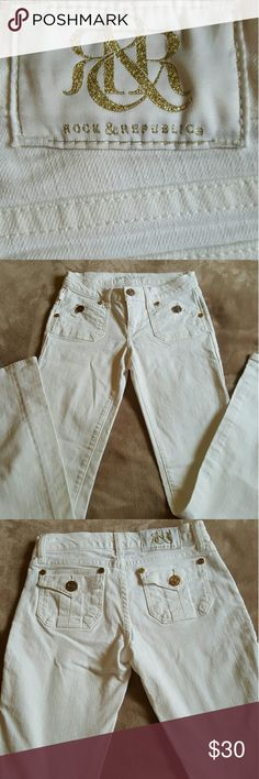 Rock and Republic jeans from Kohls *Excellent Condition  *white with gold hardware  *size xs *boot cut *low rise Rock & Republic Jeans Boot Cut