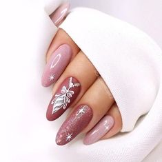 Nails Design: Night Entertainment for 42 Festive and Bright Nail Art Ideas For New 2019 – Page 37 of 42 – eeasyknitting. com Nails Design: Night Entertainment for 42 Festive and Bright Nail Art Ideas For New 2019 – Page 37 of 42 – eeasyknitting. Nail Manicure, Gel Nails, Acrylic Nails, Xmas Nails, Holiday Nails, Christmas Nails 2019, Xmas Nail Art, Christmas Snowflakes, Cute Nails