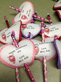 First Grade Spies: Easy to make Valentine's for students