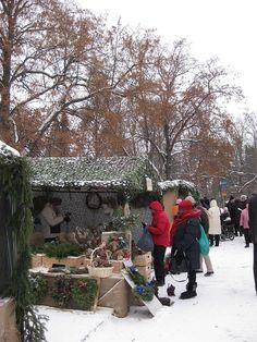Christmas fair in Lohja. Photo by Petra Apple Festival, Helsinki, Petra, Small Towns, Outdoor Activities, Finland, Christmas, Yule, Navidad