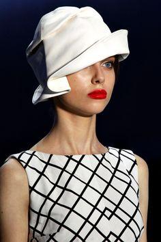 Christian Dior                                                       …