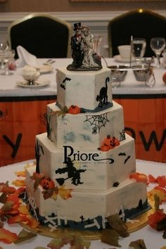 halloween wedding cakes | Pin Halloween Themed Wedding Cakes 2013 Cake on Pinterest Halloween Wedding Cakes, Halloween Themes, Themed Wedding Cakes, Centerpieces, Table Decorations, Favors, Party, Desserts, Fun