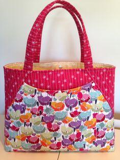 extra large tote bag made using a Geta Grama pattern