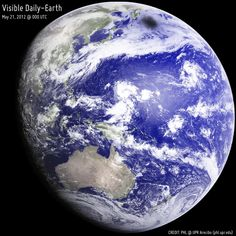 99 отметок «Нравится», 1 комментариев — Linda's Favourite (@lindasfavourites) в Instagram: «Looking Back at an Eclipsed Earth #looking #back #eclipsed #earth  #space #igers #fromspace…»